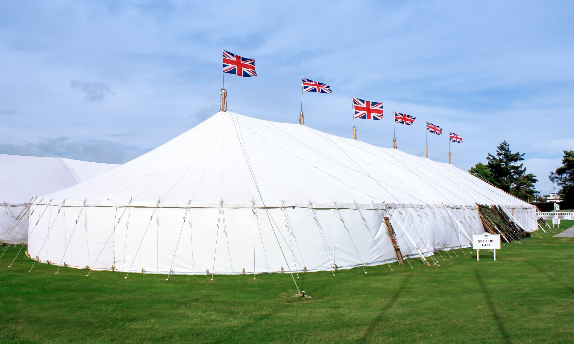 Bail ring marquee