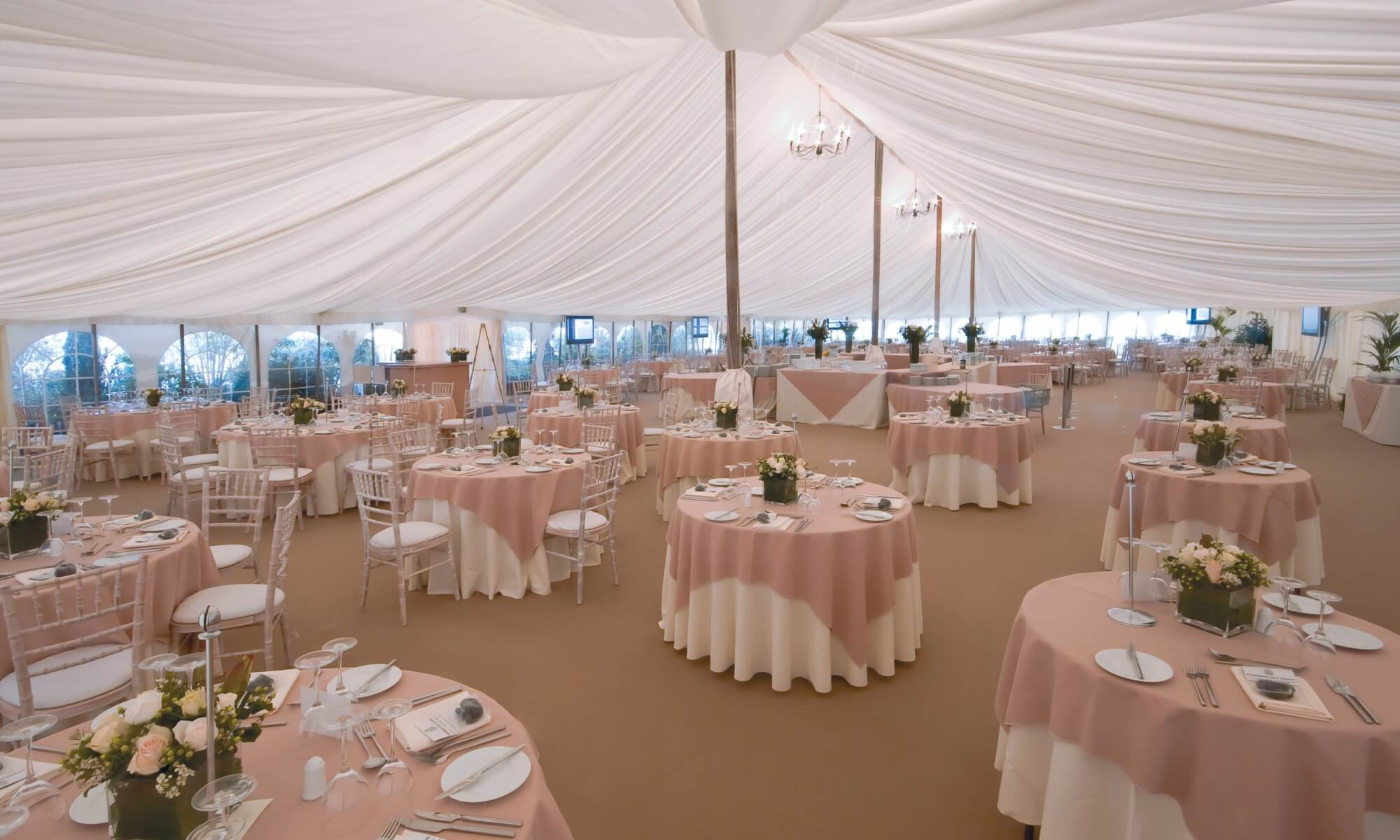 Traditional marquee with pleated lining